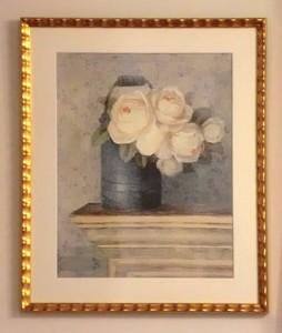 ホワイトの花の絵を額装